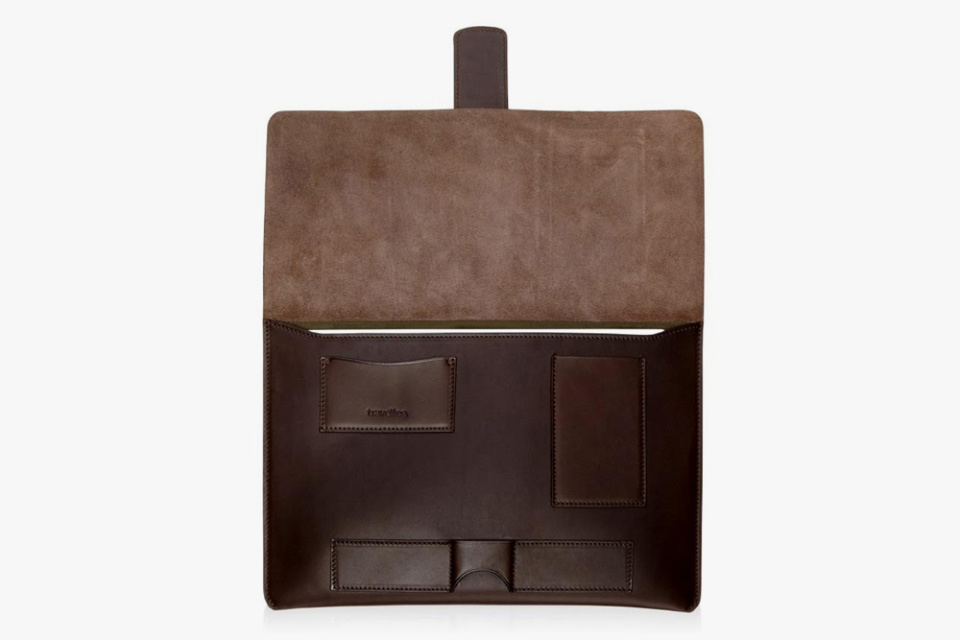 Travelteq-Leather-Sleeve-03-960x640